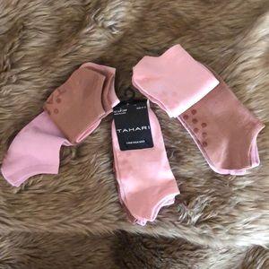 Get a Grip! 3 pairs Tahari Yoga socks